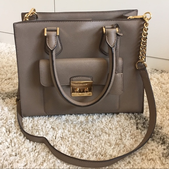 597416ac984337 Michael Kors east west medium Bridgette dark dune.  M_5c3a5338aaa5b80a7244ec9d